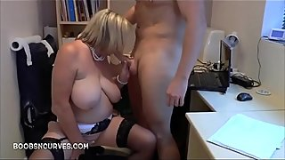 A young man gives a mature a seeing to - SlutCams.xyz
