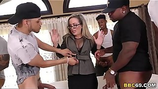 I Am Not That Kind Of Mom, I&#039_m Married! - Carmen Valentina