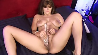Big Booty Milf Gets Soaking Wet From Vibrator
