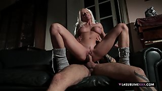 LaSublimeXXX Lara De Santis fucks her boyfriend on the sofa