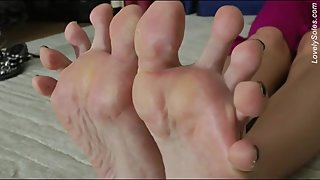 Mature MILF Ain't Shy with Her Smelly Callused Soles