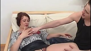 Russian Mature Likes To Be Fisted