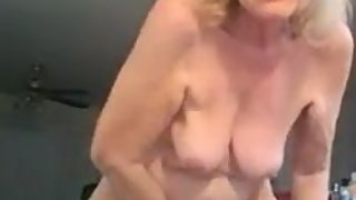 Patti Nurse shows old pussy