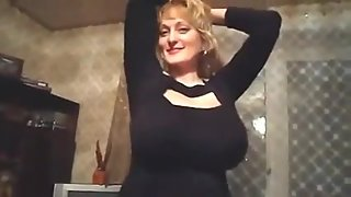 Huge boobs sexy milf dance