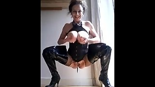 Horny Mommy - Pissing and Milking 5