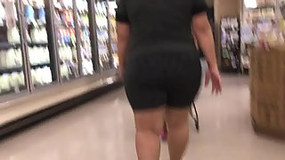 Large booty mom n daughter 4