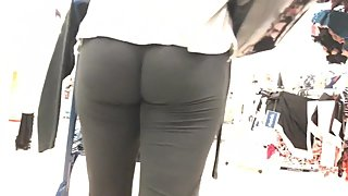 Tight Wedgie On Blonde Milf In Marshalls (HD) 08-29-17